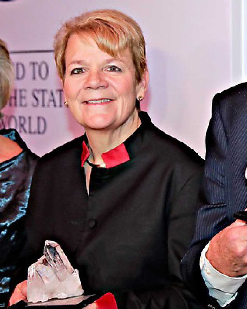 Marin Alsop receives Crystal Award